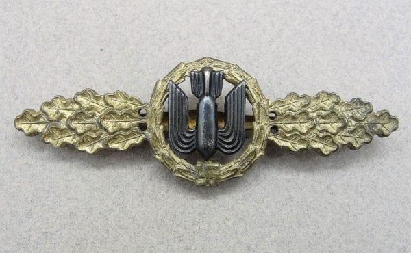 Luftwaffe Bomber Pilot's Clasp Gold Grade