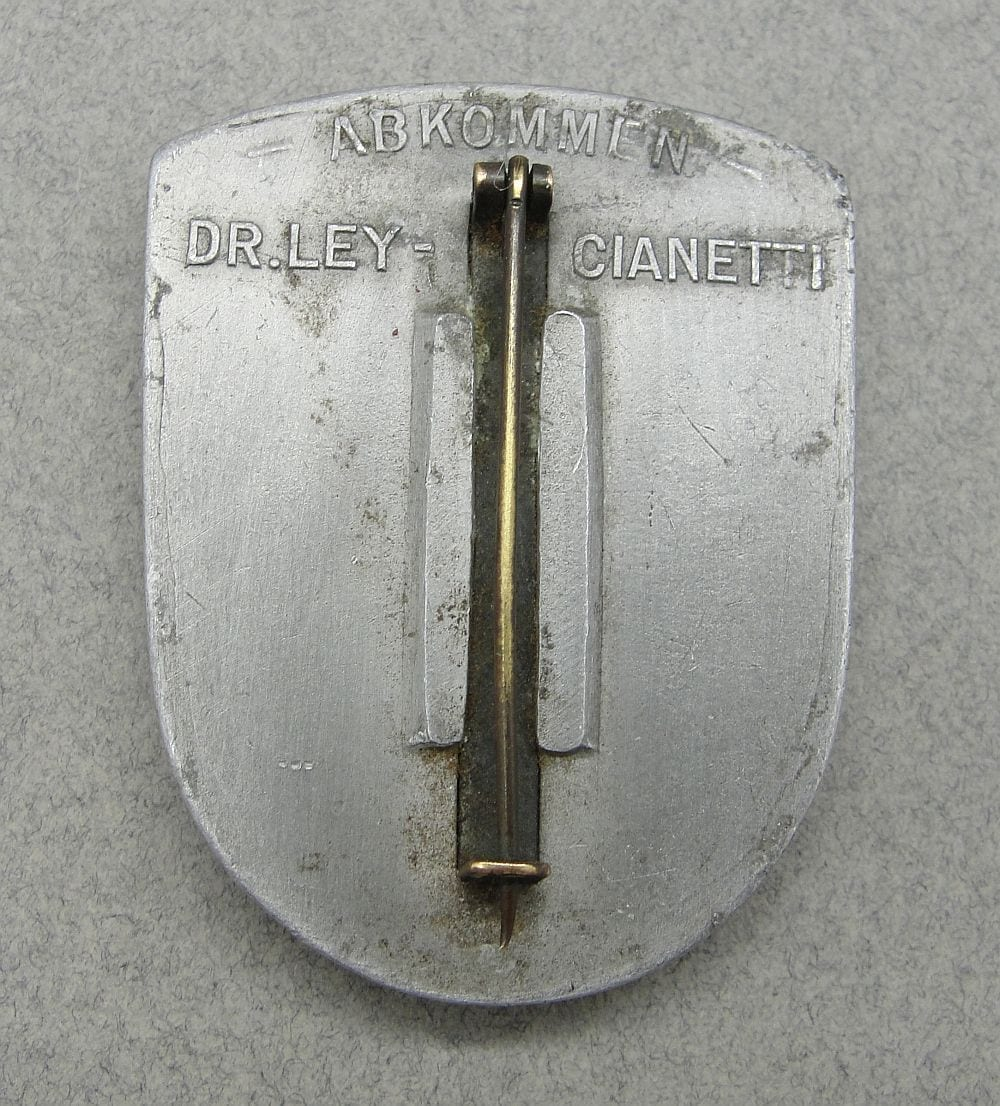 1937 Official Presentation Badge for Dr. Ley - Tullio Cianetti Meeting