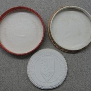 Cased 1939 Reichskolonialbund Meissen Medallion
