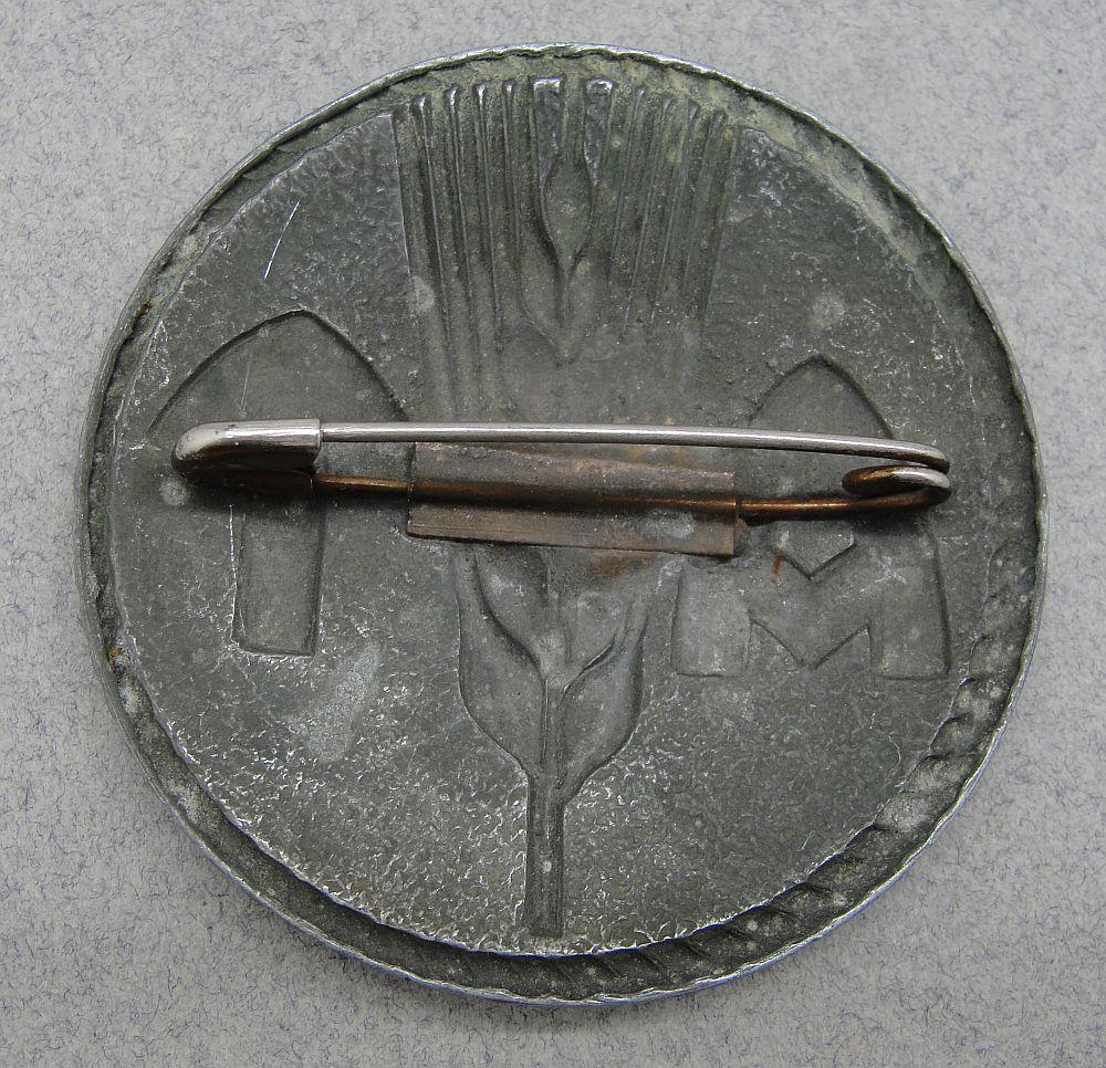 WW2 Norwegian (AT) Arbeidstjenesten Female Labor Service Broach