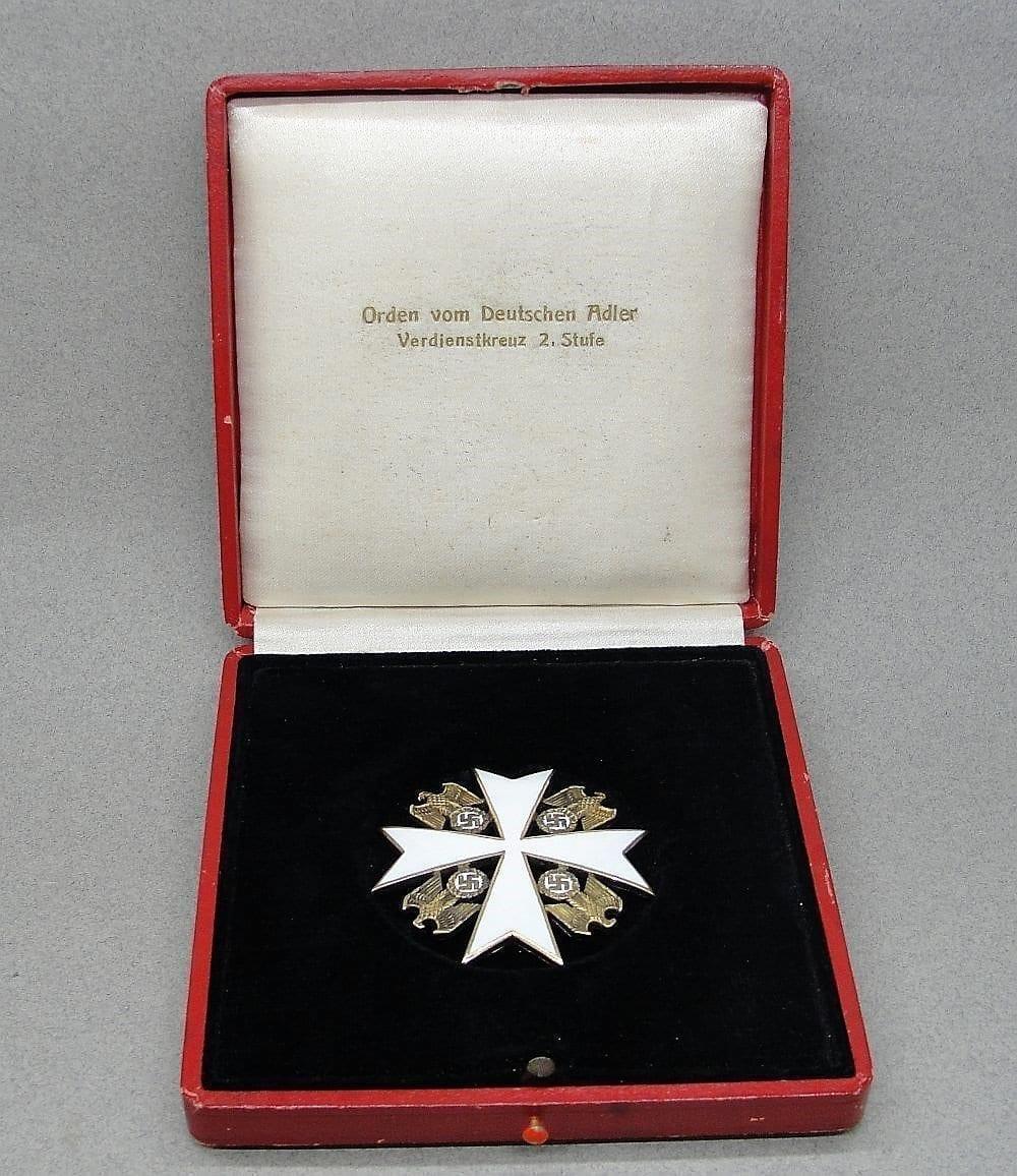 Cased German Eagle Order 2nd Class by Deschler