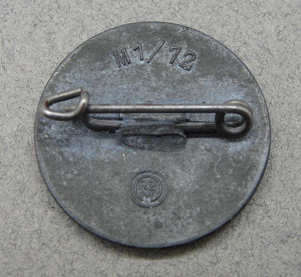 "NSDAP Membership Badge by ""RZM M1/72"""