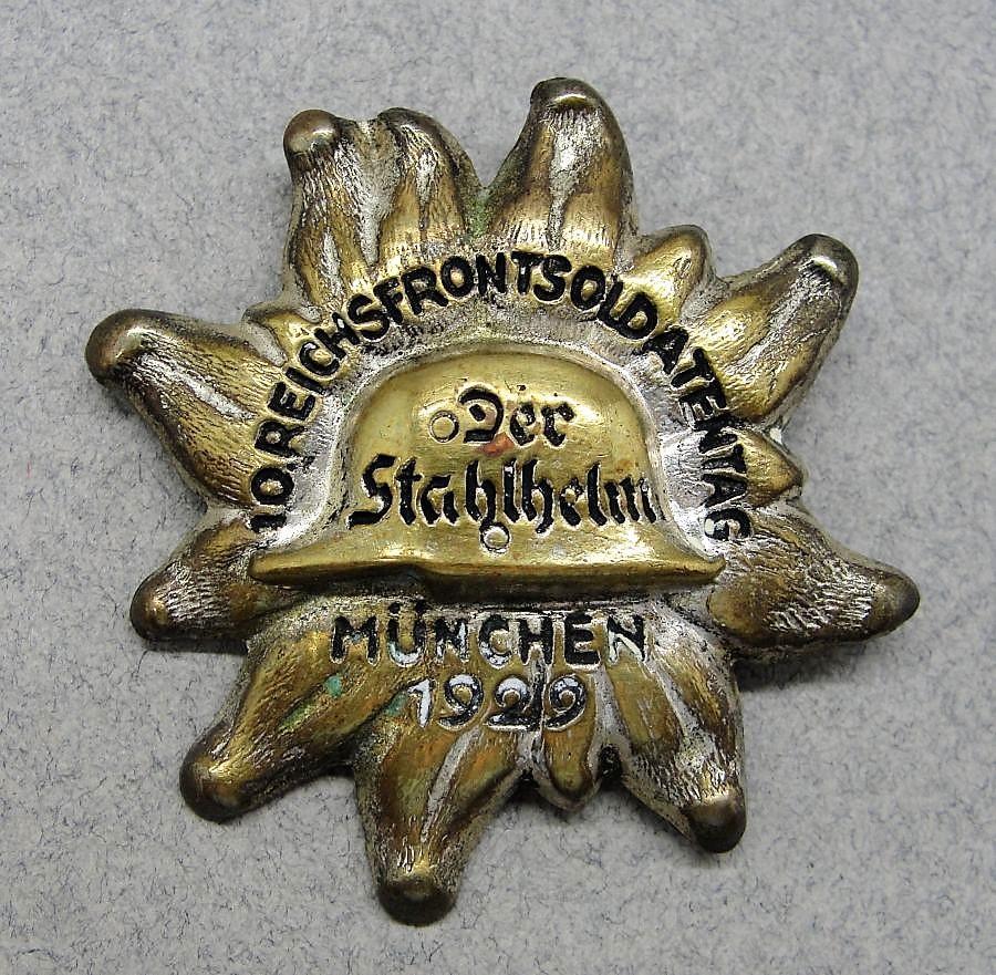 1929 Stahlhelm Tinnie