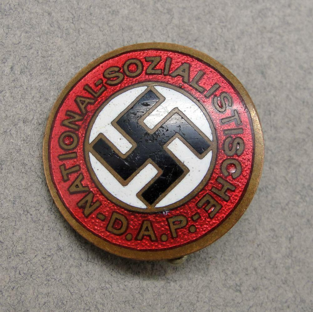 "NSDAP Membership Badge marked ""GES GESCH"" - Vertical Pin Variant"
