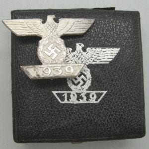 Cased Spange to The Iron Cross, First Class 1939 by Mayer