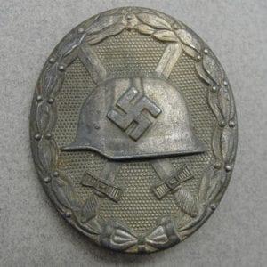 """1939 Wound Badge, Silver Grade by """"65"""" Klein & Quenzer"""