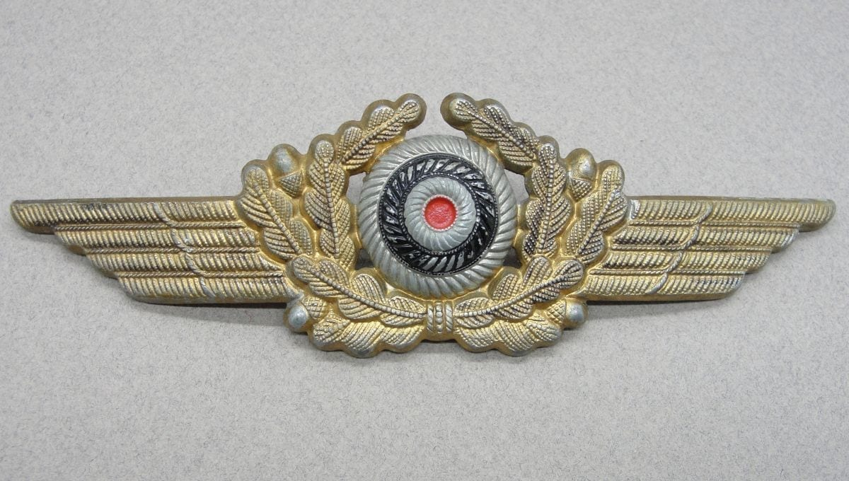 Luftwaffe Visor Cap Wreath and Cockade - Gold