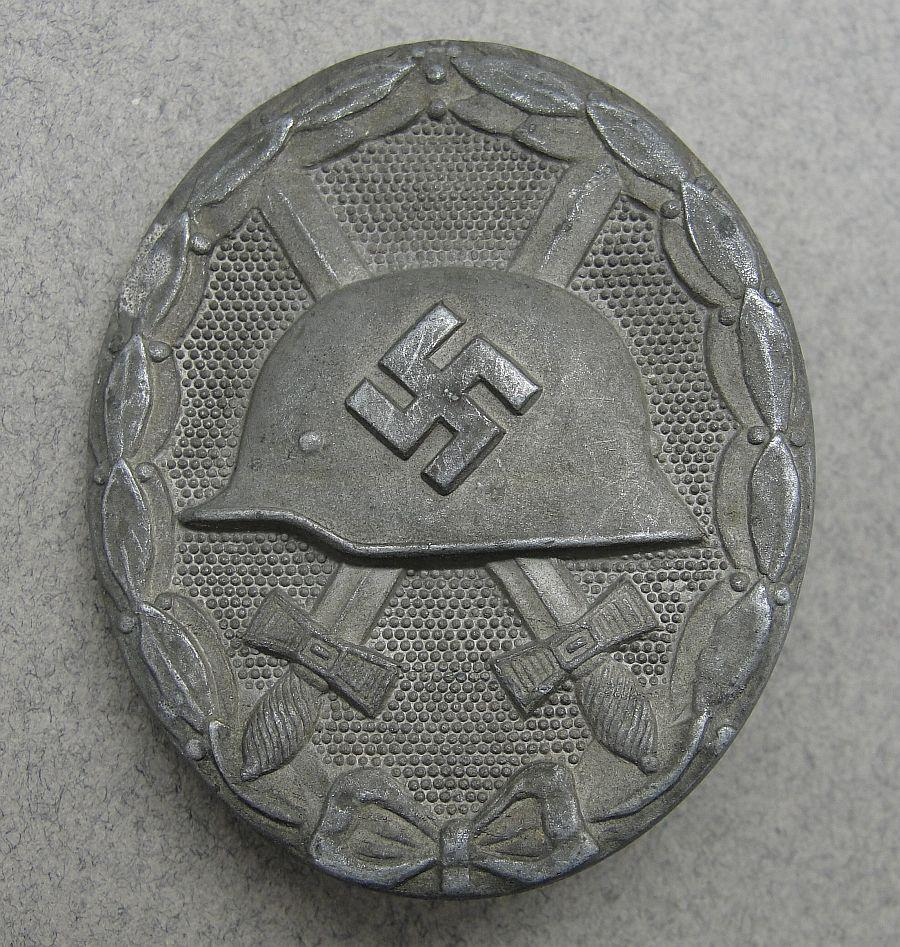 """1939 Wound Badge, Silver Grade by """"26"""" B.H. Mayer"""