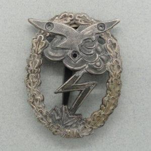 """Luftwaffe Ground Assault Badge by """"R.K."""", No Eagle"""