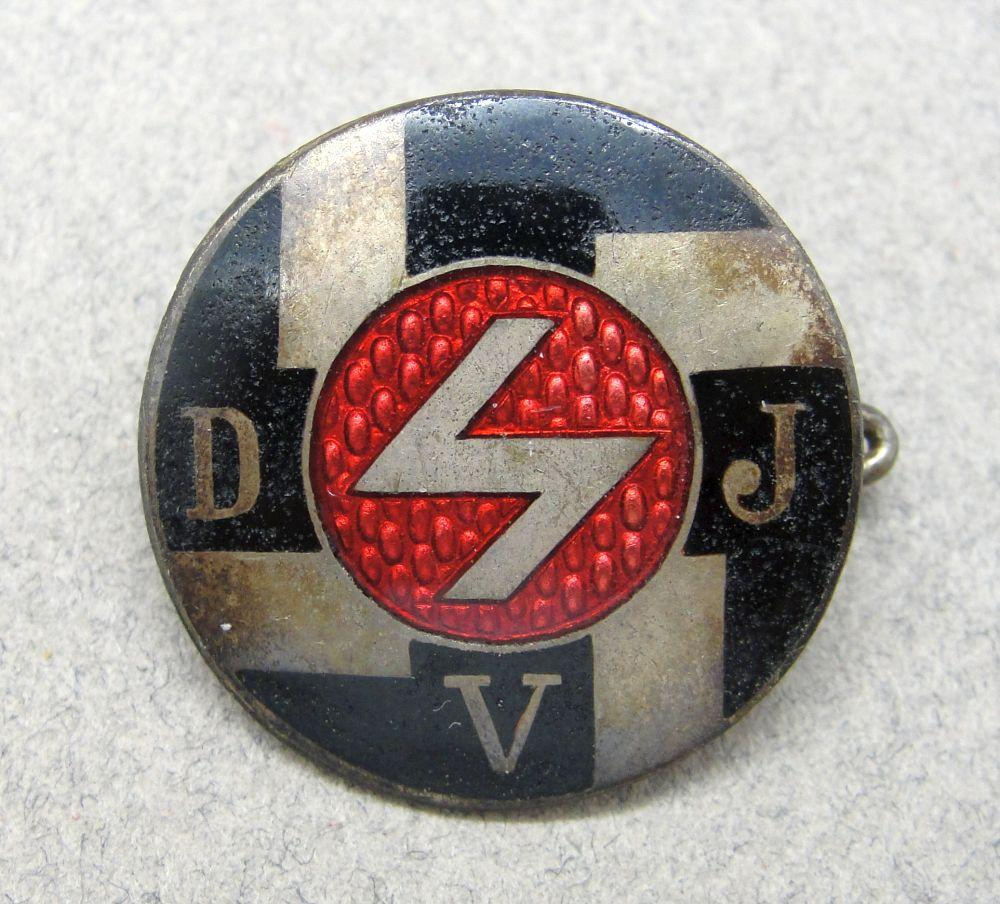 Hitler Youth Deutsches Jungvolk  DJV Membership Badge